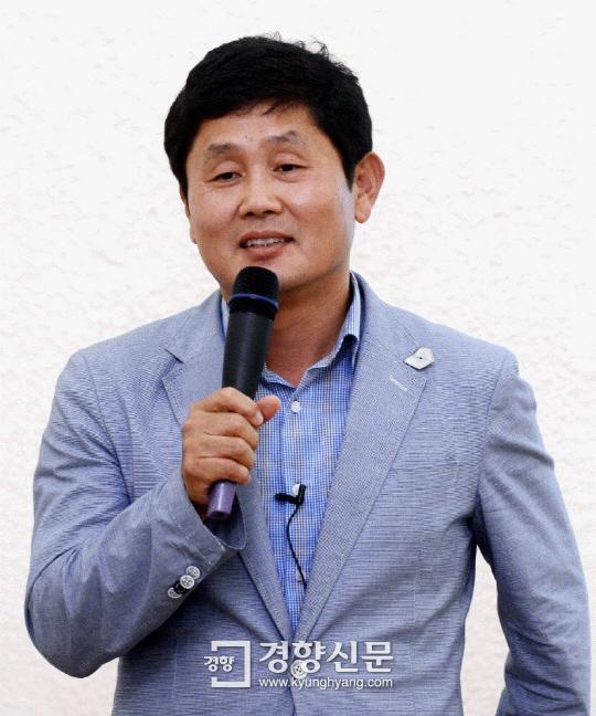 강연 중인 박재희 교수. | 서성일 기자