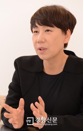 """'상속자들' 디자이너 우영미 """"한국 남성에게 옷 골라 입을 권리 돌려줘야"""""""