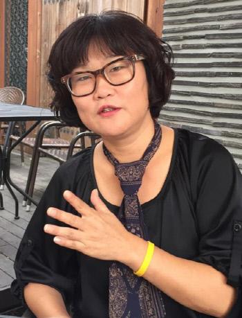 """이진숙 영화사 하얼빈 대표는 """"실화를 영화화하는 데 중요하게 생각하는 것은 사건과 공간""""이라며 """"앞으로 알려지지 않은 여성 항일운동가들을 다룬 영화를 만들고 싶다""""고 말했다."""