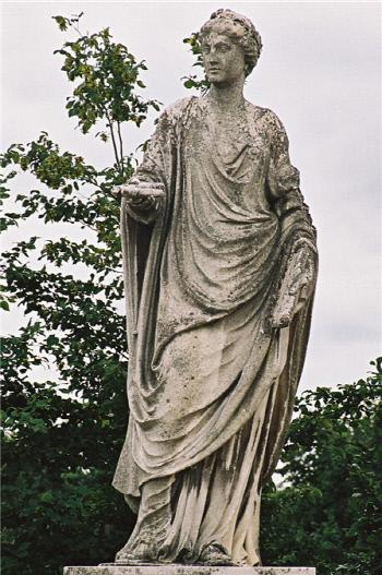'아름다운 목소리'라는 뜻을 지닌 칼리오페는 정치와 철학을 관장하는 무사 여신이다. 오스트리아 빈의 쇤브룬 정원에 있는 칼리오페 동상.