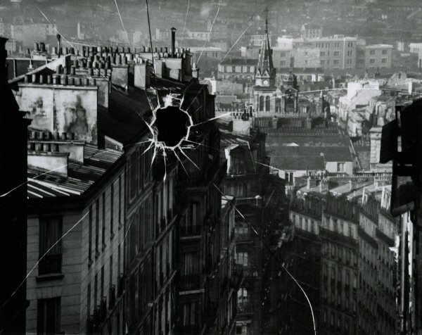 Andre Kertesz, 깨진 유리 원판, 1929 성곡미술관 제공