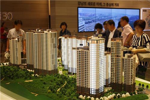 서울 강남구 개포주공 3단지 재건축 아파트 '디 에이치 아너힐즈' 견본주택.  현대건설 제공