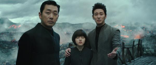 영화 <신과함께-죄와 벌>의 저승 삼차사 강림, 덕춘, 해원맥.사진·롯데엔터테인먼트 제공