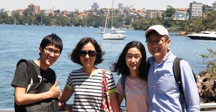 2018 평창 동계올림픽·패럴림픽에 자원봉사자로 참여하는 양태석씨 가족이 2015년 말 호주 시드니에서 찍은 가족사진.     양승민씨 제공