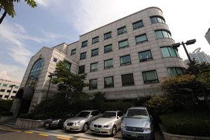 이명박 대통령의 사회 환원 재산으로 꼽히는 서울 서초동 영포빌딩