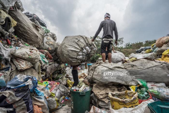 필리핀 마닐라의 '스모키마운틴'. Getty Images