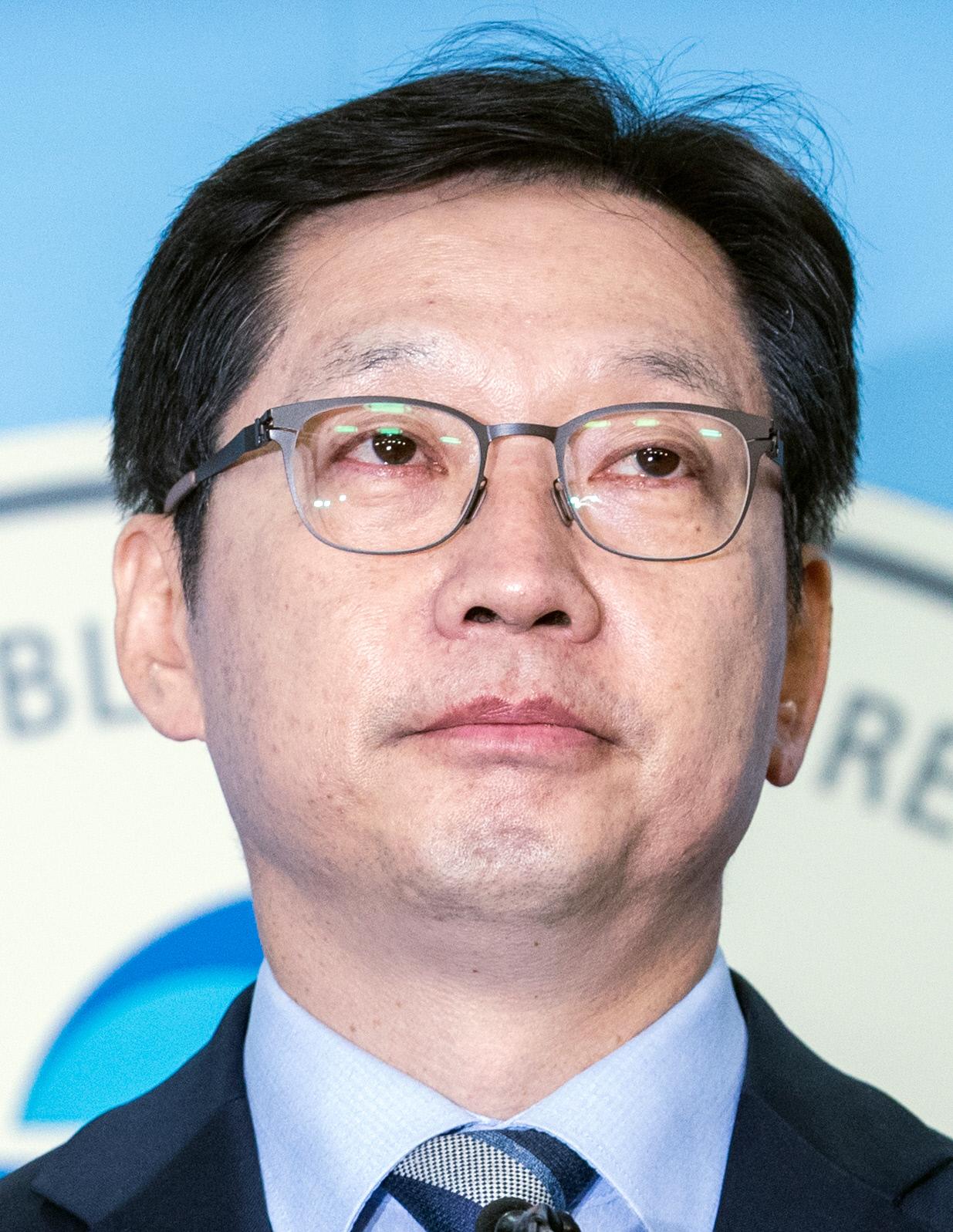 """특검 받겠다는 김경수 """"경남지사 출마"""" 선언"""