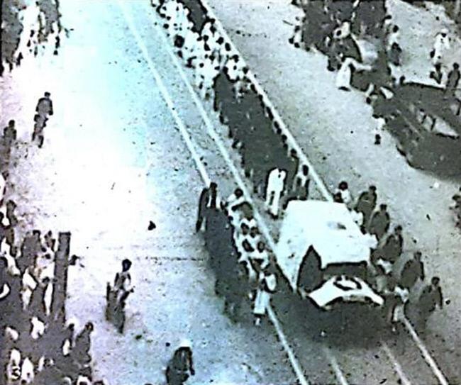 미군정하에서 한국의 런던 올림픽 참가를 위해 애를 썼던 전경무(미국명 제이콥 던)의 장례식 장면.