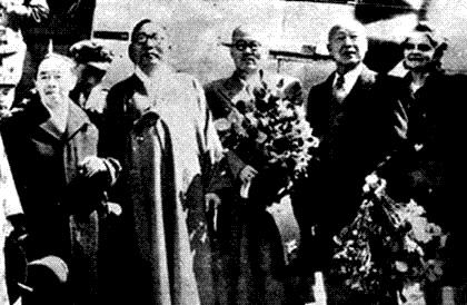 1947년 4월 광복군 총사령관으로 활약한 지청천 장군의 귀국 환영식장에 당대 주요 인물들이 모였다. 왼쪽부터 김규식, 김구, 이날 환영행사의 주인공인 지청천 장군, 이승만과 프란체스카 부부.  경향신문 자료사진