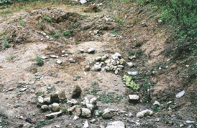 2001년 5월 '무덤치절터'로 일컬어졌던 강원 영월 창령사 터에서 오백나한상이 발견됐다. 땅 소유주가 사찰을 지으려고 터를 파다가 우연히 발견한 것이다.  성리학을 앞세운 조선의 유학자 누군가가 나한상을 무자비하게 훼손시킨 것이 분명하다.|강원문화재연구소 제공