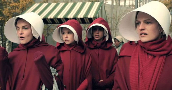 마가렛 애트우드의 소설 '시녀이야기(the handmaid's tale)'를 원작으로 한 미국 훌루(Hulu)의 10부작 드라마 '시녀이야기' 일부