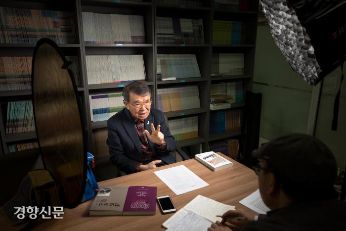 이만열 전 국사편찬위원장이 3·1운동과 임시정부의 의미에 대해 설명하고 있다. / 우철훈 선임기자