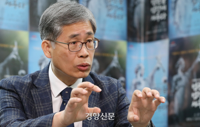 '법원 법정에 세우다' 신평 변호사 인터뷰.  /이상훈 선임기자