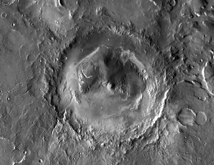 큐리오시티가 활동하는 화성의 '게일 충돌구'(Gale Crater)를 공중 촬영한 모습. 유럽과 러시아가 운영하는 화성 궤도선도 큐리오시티처럼 메탄을 감지했느냐에 관심이 쏠리고 있다. NASA 제공