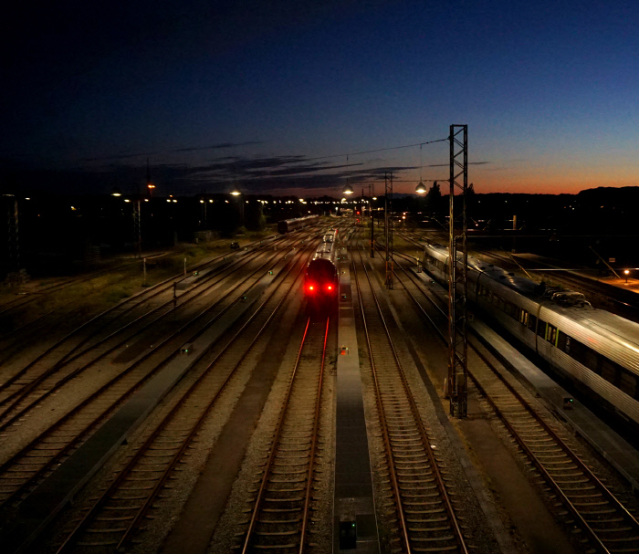 The Train for Another World. [사진공책, 가려진 세계의 징후들] 표지 사진. ⓒ 김창길