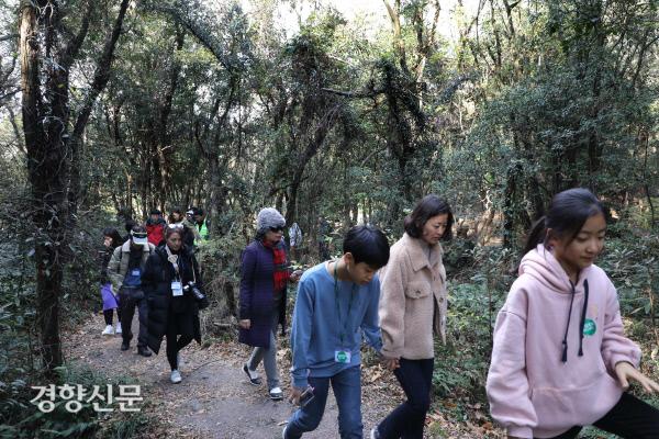 [경향포토]그린보트-환상숲 곶자왈공원 찾은 참가자들