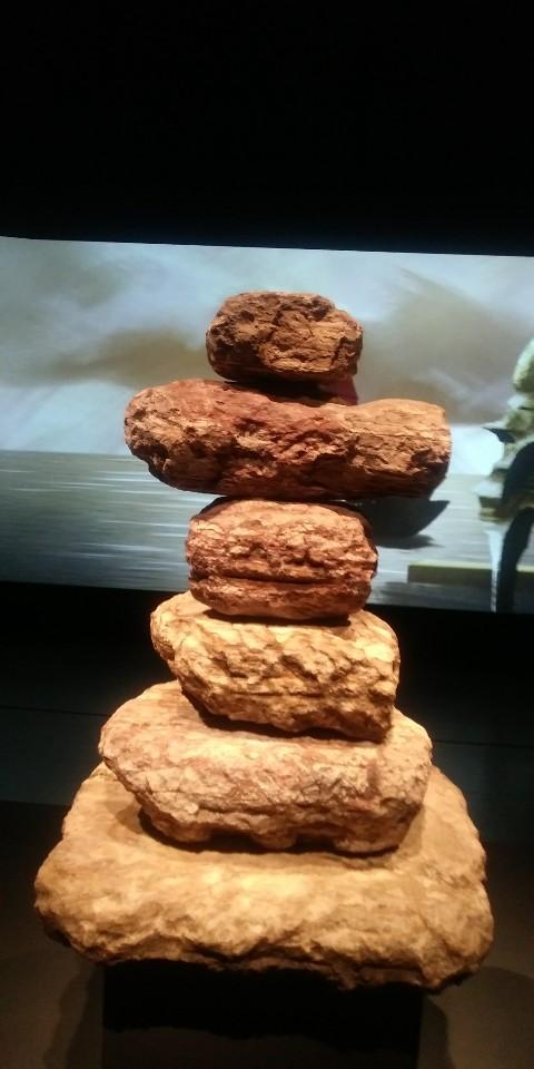 '가야본성 특별전'과 보존·복원을 위해 국립중앙박물관으로 옮겨온 파사석탑. 고려대 산학협력단의 비파괴분석결과 한반도에서는 나지 않는 엽랍석 성분의 사암으로 밝혀졌다.