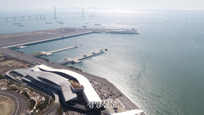 내년 6월 송도에 개장할 인천항 신국제여객터미널.|인천항만공사 제공
