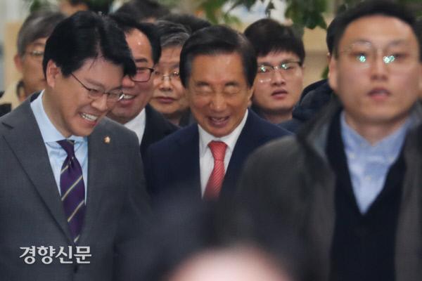[경향포토]무죄 판결 나온 김성태 의원