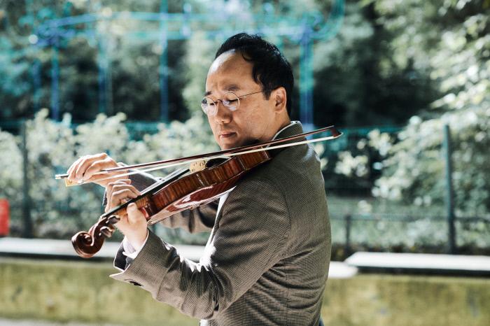 """바이올리니스트 원형준씨는 """"모두가 어려울 때 소통이나 치유 등 음악인으로서 음악이 줄 수 있는 가치를 좀 더 깊게 전달하고자 한다""""며 연주의 뜻을 밝혔다. 원형준씨 제공"""