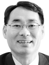 전성인 홍익대 경제학부 교수