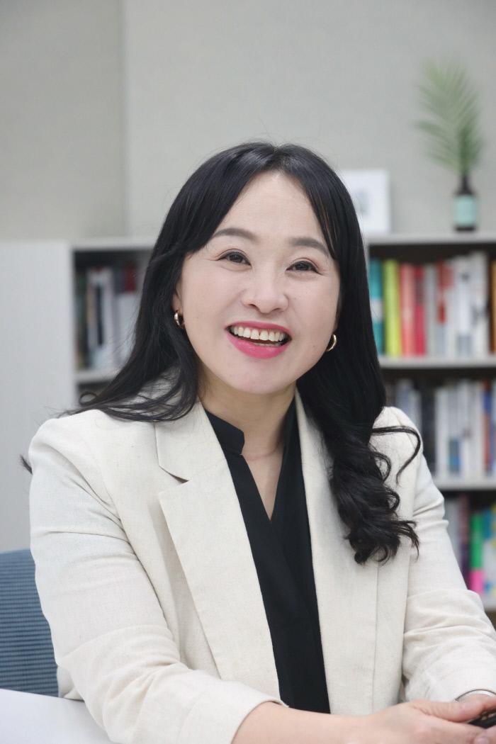 고은정 LG유플러스 상무가 지난 3일 서울 용산구 LG유플러스 사옥에서 경향신문과 인터뷰하고 있다. LG유플러스 제공