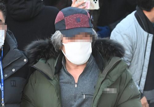 چو دو سون ، که در 12 دسامبر سال گذشته آزاد شد ، وارد مرکز پشتیبانی قوانین Ansan در وزارت دادگستری ، شهر Ansan ، استان Gyeonggi می شود.  اخبار yunhap