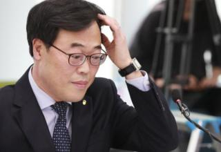 Cheong Wa Dae's Solo Handling of State Affairs Backfires