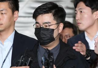 """김경수 의원 """"홍보"""" 문자…선플 부탁이냐, 댓글조작 의뢰냐"""