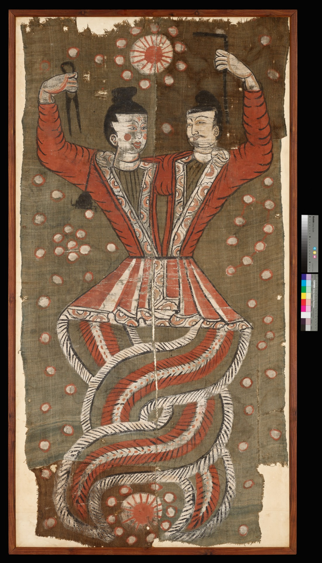 이번에 복원을 끝내고 처음 진본전시되는 '창조신 복희와 여와도'. 투르판 아스타나에서 출토된 7세기 유물이며, 삼베에 채색한 그림이다.|국립중앙박물관 제공