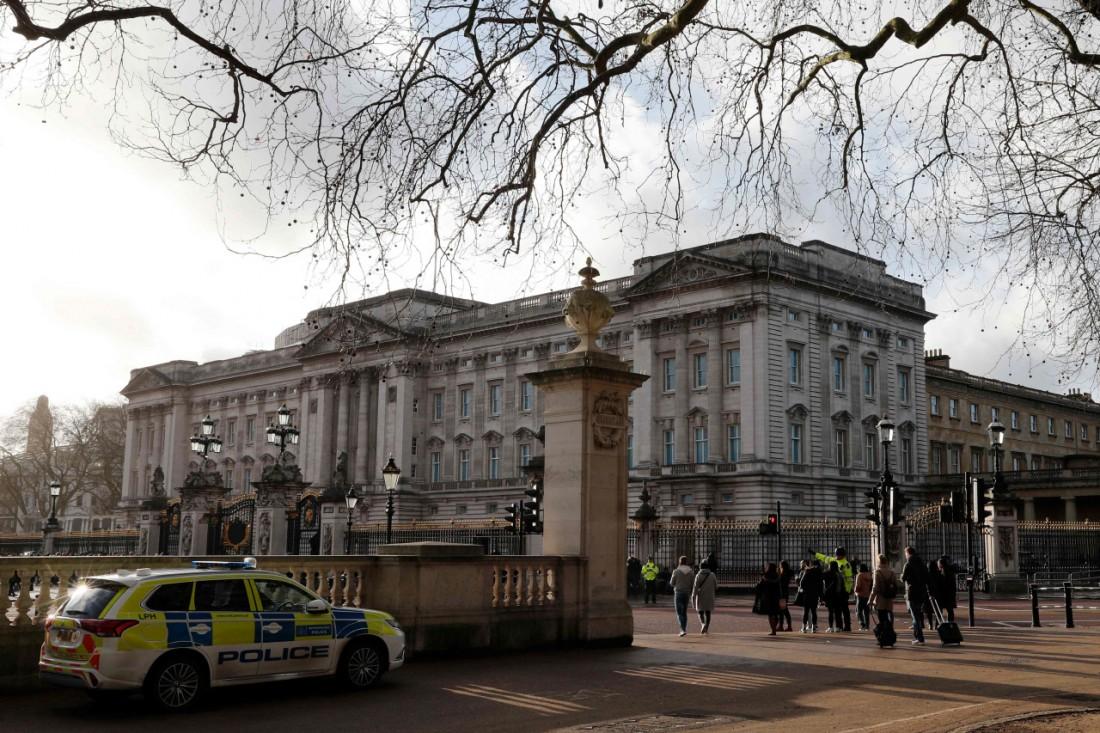 영국 런던의 버킹엄궁. 왕실은 자체적으로 부동산 수입을 거둬들이고 있으나 납세자들이 낸 세금으로 지원받는 돈이 훨씬 더 많다. 런던 | AFP연합뉴스