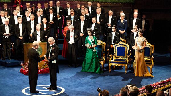 이웃 일본만 하더라도 과학기술분야 노벨상 수상자가 22명이지만, 한국은 노벨평화상을 받은 김대중 전 대통령 이외에는 아직까지 수상자가 없다. 사진은 스웨덴의 스톡홀름 콘서트홀에서 열리는 노벨상 시상식./sweden.se