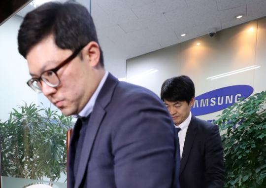 [오늘은 이런 경향]4월13일 커지는 김기식 사퇴론···청와대 정면돌파
