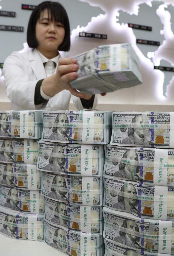 [포토뉴스]한 달 새 외환보유액 9억6000만달러 감소