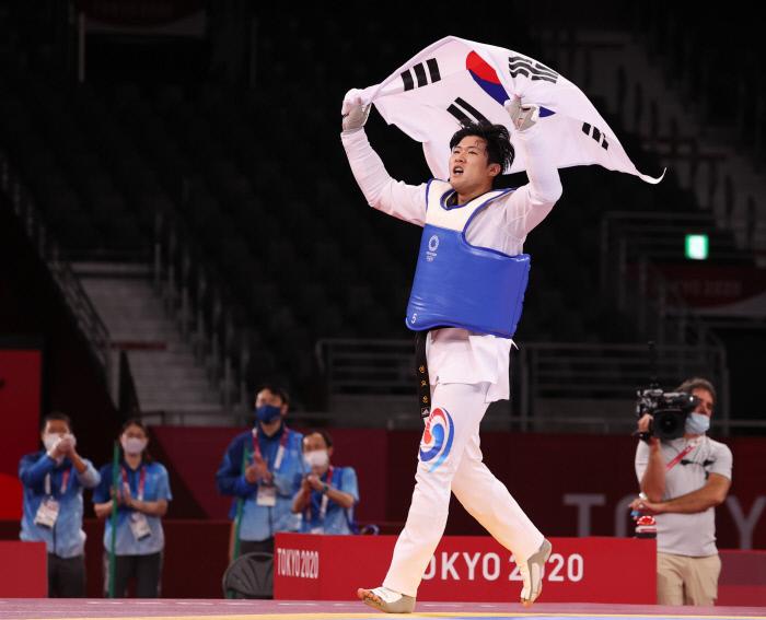 2020 도쿄 올림픽에서 동메달을 획득한 인교돈 태권도 국가대표/연합뉴스