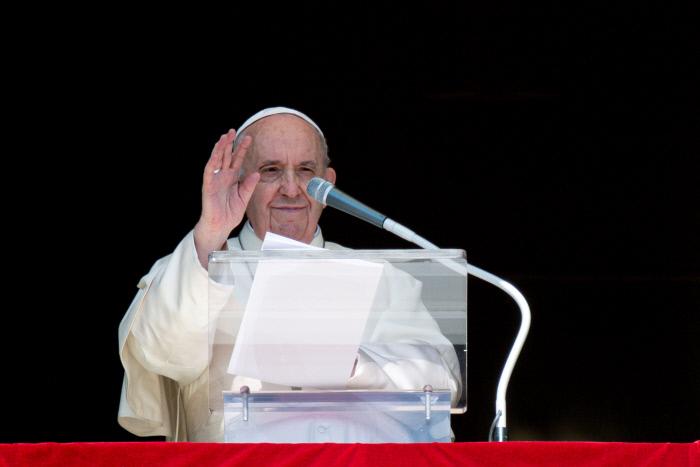 10일 바티칸 성베드로 성당에서 미사를 집전하는 프란치스코 교황. 바티칸|로이터연합뉴스